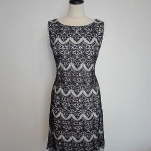 Fekete csipkés ruha, Ruha & Divat, Női ruha, Ruha, Varrás, Csónaknyakú rövid egyenes vonalú ruha.\nA ruha kényelmes viselet,jó minőségű rugalmas kötött jerseybő..., Meska