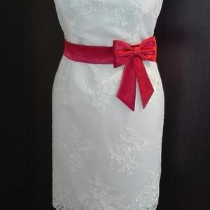 Szatén öv masnival, Ruha & Divat, Öv & Övcsat, Öv, Varrás, Piros szaténöv masnival esküvői ruhára.\nMéretre rendelhető.\nMasni alatt patenttal záródik ezáltal a ..., Meska