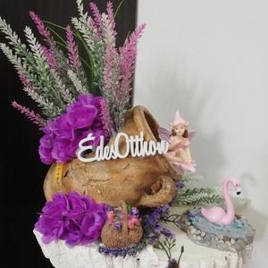 Édes Otthon Tündérke, Otthon & Lakás, Dekoráció, Mindenmás, Saját készítésű tündérkert, flamingóval, kis tóval és gyönyörű virágokkal. 35cm magas. ..., Meska