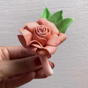 Rózsás hajgumi, Gyerek & játék, Ékszer, Esküvő, Hajdísz, ruhadísz, Virágkötés, Saját kezűleg készített hajgumikat készítek mindenféle színben, amely csak létezik. Bármilyen színbe..., Meska