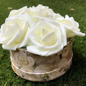 Örökrózsa box / doboz, Otthon & lakás, Dekoráció, Dísz, Ünnepi dekoráció, Anyák napja, Szerelmeseknek, Virágkötés, A tökéletes ajándékot keresed? Nincs még ötleted? Olyan virágot szeretnél, mely örökké tart?\n\nHa val..., Meska