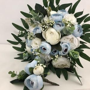 Kék-fehér rózsás és bazsarózsás menyasszonyi örökcsokor - esküvő - menyasszonyi- és dobócsokor - Meska.hu