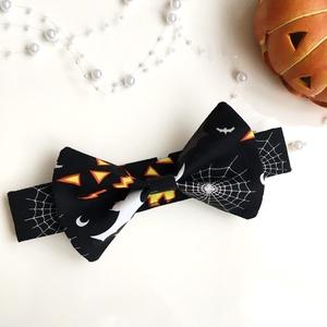 Halloween kutya-csokornyakkendő (fekete), Ruha & Divat, Jelmez & Álarc, Jelmez, Varrás, Egyedi tervezésű és készítésű, általam szabott és varrt halloweeni kutya-csokornyakkendő.\nA barátnőm..., Meska
