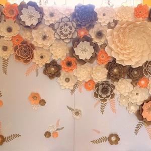 Papírvirág fal, Esküvő, Esküvői dekoráció, Papírművészet, Eladó egy elefántcsont, arany és barack színekben pompázó 2 méter magas és 2,4 méter széles egyedi,..., Meska