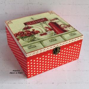 Piros vintage konyhamintás teafiltertartó/kekszes/fűszeres/recepttartó/tároló doboz - RENDELHETŐ, Otthon & lakás, Konyhafelszerelés, Fűszertartó, Lakberendezés, Tárolóeszköz, Decoupage, transzfer és szalvétatechnika, Festett tárgyak, A képeken látható csodaszép doboz már elkelt, de hasonlót tudsz rendelni! :) 2-3 nap alatt lesz kész..., Meska