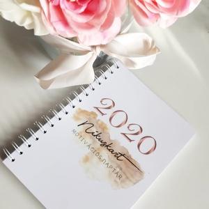 2020 Nikuskart motivációs naptár, Otthon & lakás, Naptár, képeslap, album, Naptár, Jegyzetfüzet, napló, Festészet, Egyedi tervezésű akvarell illusztrációkkal ellátott motiváló határidőnapló.\n\nTervezd meg az új éved ..., Meska
