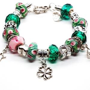 Jószerencse! - Pandora stílusú karkötő, Ékszer, Karkötő, Gyöngyfűzés, gyöngyhímzés, Ékszerkészítés, Türkizzöld és rózsaszín mintás, valamint smaragdzöld egyszínű üveggyöngyökből, ezüst színű szív, pa..., Meska