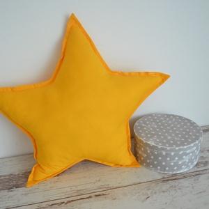 Csillag párna - egyedileg készült párna, Gyerek & játék, Varrás, Hímzés, Vidám, egyedi csillag formájú párnát készítettünk,igazi kisfiús szobába illő textilekkel.\n\nAz alapár..., Meska