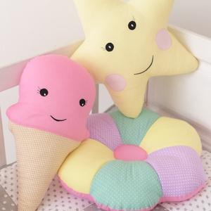 Színes Virág párna - Happy Pillows  (NoaNoa) - Meska.hu