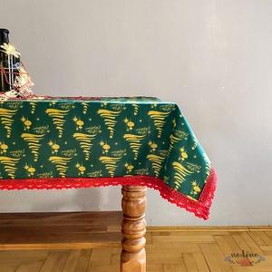 Karácsonyi, adventi csipke szegélyes zöld terítő, arany fenyőfa mintával, piros csipke szegéllyel (98x140cm) - Meska.hu