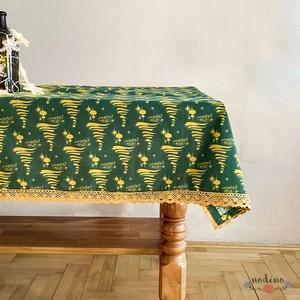 Karácsonyi, adventi csipke szegélyes zöld terítő, arany fenyőfa mintával, arany csipke szegéllyel (98x90cm) - Meska.hu