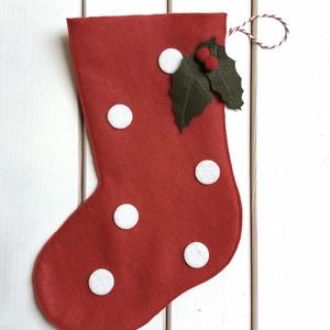 filc csizma, mikulás csizma, ajándék tartó, dekoráció, Dekoráció, Otthon, lakberendezés, Ünnepi dekoráció, Karácsonyi, adventi apróságok, Varrás,    Nosztalgikus hangulatú filc csizma, gyerekek, felnőttek egyaránt örülni fognak neki! A pöttyök i..., Meska