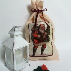 Mikulás zsák, ajándék zsák, Otthon & Lakás, Karácsony & Mikulás, Karácsonyi csomagolás, Varrás, Puha, világos barack színű filc zsák bordó plüss megkötővel. 26 cm széles és 46 cm magas. Mutatós mi..., Meska