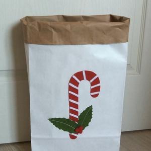 Karácsonyi papírzsák, tároló, Karácsony & Mikulás, Karácsonyi csomagolás, Sokoldalúan felhasználható három rêtegű nátron papírzsák. Hozzáadott érték a filcből készült cukorpá..., Meska