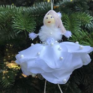 Karácsonyi dísz tündér hófehér selyem gyöngy drót baba virág, Karácsony & Mikulás, Karácsonyfadísz, Egyedi kézzel készült nagyméretű karácsonyfadísz, hófehér  Hótündér fehér jégvirág szoknyában, baba ..., Meska