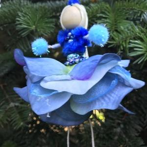Karácsonyi dísz tündér kék selyem gyöngy drót baba virág, Karácsony & Mikulás, Karácsonyfadísz, Egyedi kézzel készült nagyméretű karácsonyfadísz, kékes árnyalatú karácsonyi  Hótündér kék jégvirág ..., Meska