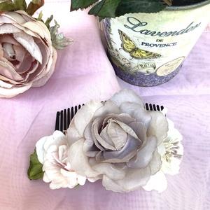 Esküvői virágos fésűs hajdísz meleg pasztell rózsaszín, bézs, homok árnyalatok Virágokkal rózsákkal díszítve, Ruha & Divat, Hajdísz & Hajcsat, Ékszerkészítés, Szép, romantikus nyári estékre vagy esküvőre, koszorús lánynak vagy csak nyári kerti partira virágos..., Meska