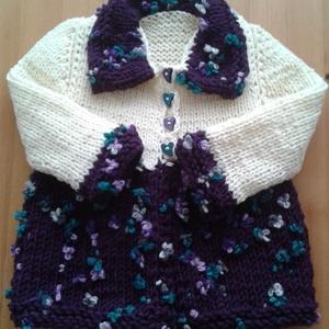 Virágos kabátka, Baba-mama-gyerek, Ruha, divat, cipő, Gyerekruha, Baba (0-1év), Kötés, Puha, meleg vastag fonalból kötöttem ezt az egyedi kabátkát,  felül krém színű alul lila virágos, l..., Meska