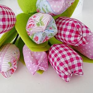Rózsaszín textil tulipán csokor  8 darabos, Otthon & lakás, Dekoráció, Csokor, Varrás, Rózsaszín textil tulipán csokorban.\nA csokor 8 db tulipánt tartalmaz.\nTulipán hossza:  28 cm, Meska
