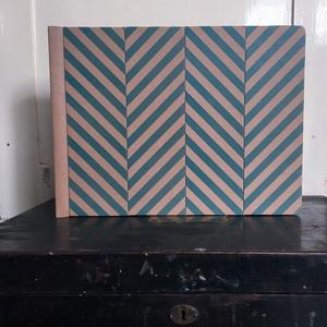 Eco nagy fotóalbum védőtokkal - kék halszálka mintás, Otthon & Lakás, Album & Fotóalbum, Papír írószer, Noteshell ECO fotóalbum védőtokkal - 100% újrahasznosított papírból készült  (DIVIDED kollekció) Nos..., Meska