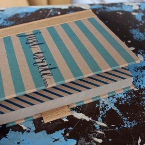 ECO vonalas notesz, számozott oldalakkal, mono kék csíkos-környezetbarát, újrahasznosított papírból (noteshell) - Meska.hu