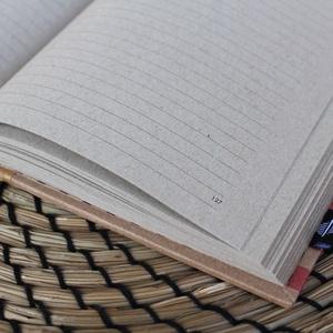 ECO vonalas notesz, számozott oldalakkal, mono pink csíkos-környezetbarát, újrahasznosított papírból (noteshell) - Meska.hu