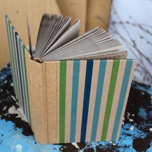 ECO vonalas notesz, számozott oldalakkal, türkiz-zöld csíkos-környezetbarát, újrahasznosított papírból, Naptár, képeslap, album, Otthon & lakás, Jegyzetfüzet, napló, Könyvkötés, Újrahasznosított alapanyagból készült termékek, Újrahasznosított papírból készült környezetbarát notesz / napló - Noteshell ECO kollekció\n\n-mérete:..., Meska