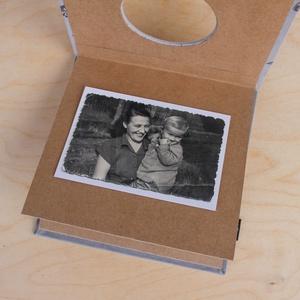 Leporello/kis fotóalbum védőtokkal-szürke madaras-újrahasznosított papírból és ruhákból-környezetbarát emlék  (noteshell) - Meska.hu