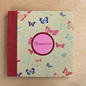 XL-es egyedi fotóalbum-Piros/sárga pillangós-újrahasznosított papírból és ruhákból-környezetbarát emlék, Naptár, képeslap, album, Otthon & lakás, Fotóalbum, Könyvkötés, Újrahasznosított alapanyagból készült termékek, Ruhák új élete - UPCYCLING kollekció - piros farmer és világossárga színes pillangós póló\n--- Egyedi..., Meska