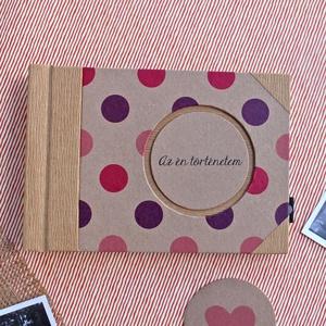 Eco kis fotóalbum - pink és lila színes pöttyös, Album & Fotóalbum, Papír írószer, Otthon & Lakás, Könyvkötés, Noteshell ECO fotóalbum védőtokkal - 100 % újrahasznosított papírból készült\n(MONO eco kollekció)\n\nE..., Meska