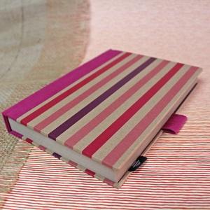 ECO vonalas notesz, számozott oldalakkal, pink-lila csíkos-környezetbarát, újrahasznosított papírból, Otthon & Lakás, Papír írószer, Jegyzetfüzet & Napló, Könyvkötés, Újrahasznosított alapanyagból készült termékek, Újrahasznosított papírból készült környezetbarát notesz / napló - Noteshell ECO kollekció\n\n-mérete:..., Meska