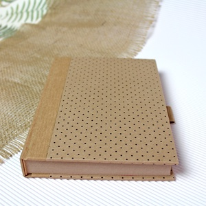 ECO ponthálós notesz, számozott oldalakkal, apró pöttyös-környezetbarát, újrahasznosított papírból, Otthon & Lakás, Papír írószer, Jegyzetfüzet & Napló, Újrahasznosított papírból készült környezetbarát notesz / napló - Noteshell ECO kollekció  -mérete:..., Meska