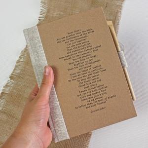 ECO ponthálós notesz, számozott oldalakkal, feliratos-környezetbarát, újrahasznosított papírból, Otthon & Lakás, Papír írószer, Jegyzetfüzet & Napló, Könyvkötés, Újrahasznosított alapanyagból készült termékek, Újrahasznosított papírból készült környezetbarát notesz / napló - Noteshell ECO kollekció\n\n-mérete:..., Meska
