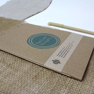 ECO nagy ponthálós füzet - kék feliratos - újrahasznosított papírból, Otthon & Lakás, Papír írószer, Jegyzetfüzet & Napló, Könyvkötés, Újrahasznosított alapanyagból készült termékek, Újrahasznosított papírból készült ponthálós füzet - Noteshell ECO kollekció\n\n-mérete: 14x20 cm (A/5..., Meska