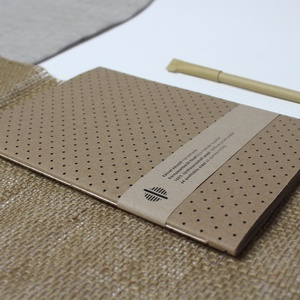 ECO nagy ponthálós füzet - apró pöttyös - újrahasznosított papírból, Otthon & Lakás, Papír írószer, Jegyzetfüzet & Napló, Könyvkötés, Újrahasznosított alapanyagból készült termékek, Újrahasznosított papírból készült ponthálós füzet - Noteshell ECO kollekció\n\n-mérete: 14x20 cm (A/5..., Meska