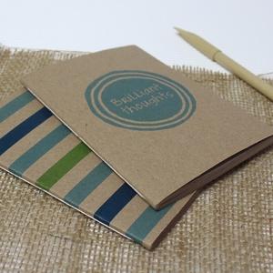 ECO kis ponthálós füzet - páros csomag - türkiz-zöld csíkos - feliratos - újrahasznosított papírból, Otthon & Lakás, Papír írószer, Jegyzetfüzet & Napló, Könyvkötés, Újrahasznosított alapanyagból készült termékek, Újrahasznosított papírból készült ponthálós füzet - Páros csomag\nNoteshell ECO kollekció\n\n- 2 db füz..., Meska