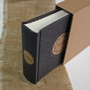 Eco M fotóalbum védőtokkal - szürke len, Otthon & Lakás, Papír írószer, Album & Fotóalbum, Lenvászon fotóalbum védőtokkal - 100 % újrahasznosított papírból készült (MONO eco kollekció)  EGYED..., Meska