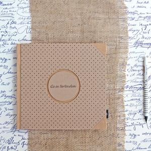 ECO natúr -fekete pöttyös napló/vendégkönyv/emlékkönyv védőtokkal, Esküvő, Emlék & Ajándék, Vendégkönyv, Könyvkötés, Újrahasznosított alapanyagból készült termékek, Újrahasznosított papírból készült környezetbarát napló / vendégkönyv / emlékkönyv VÉDŐTOKKAL - Notes..., Meska