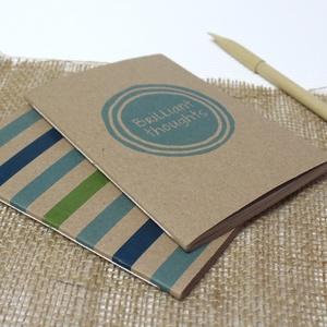 ECO nagy ponthálós füzet - kék - zöld csíkos / feliratos - újrahasznosított papírból, Otthon & Lakás, Papír írószer, Jegyzetfüzet & Napló, Könyvkötés, Újrahasznosított alapanyagból készült termékek, Meska