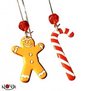 Karácsonyi fülbevaló #2, Ékszer, Fülbevaló, Lógós fülbevaló, Ékszerkészítés, Fémmegmunkálás, Mézeskalács ember és candy cane (cukorpálca). Kell ennél karácsonyibb-télibb fülbevaló?\n\n*Hossza: 6 ..., Meska