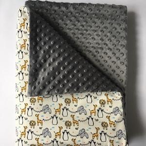 """""""Zoo Mini állatok"""" vastag babatakaró 70cm x 100cm, Játék & Gyerek, 3 éves kor alattiaknak, Varrás,  Vastag babatakaró, egyik oldala apró állat mintás BIO textil.  A másik oldala egyszínű szürke Minky..., Meska"""