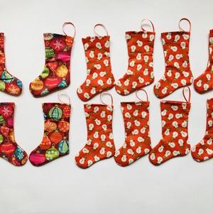 Karácsonyi mintás dísz csizmák 12db, Karácsony & Mikulás, Karácsonyi dekoráció, Varrás, 8 Hóember és 4 kis karácsonyi retro dísz mintájú kicsi csizmák (14 cm magas és 9.5 cm a legszélesebb..., Meska