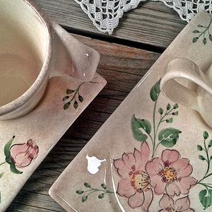 Vadrózsás romantikus kerámia készlet, Konyhafelszerelés, Otthon & lakás, Bögre, csésze, Szerelmeseknek, Ünnepi dekoráció, Dekoráció, Esküvő, Kerámia, Vadrózsás romantikus mintámmal festettem ezt a különleges formájú készletet.\nFehér agyagból,mázalatt..., Meska