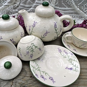 Levendulás teás kerámia- 2 személyes készlet, Otthon & lakás, Esküvő, Konyhafelszerelés, Nászajándék, Bögre, csésze,   Levendula imádóknak fehér agyagból készítettem,máz alatti festékkel festettem ezt a teás készletet..., Meska