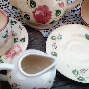 Rózsás romantikus kávés (ntakeramia) - Meska.hu