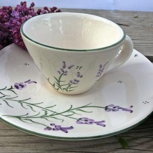 Levendulás kávés csésze, Otthon & lakás, Dekoráció, Konyhafelszerelés, Bögre, csésze, Lakberendezés,  Szeretem a levendulát. Az illatát, a színét, a hangulatot, amit áraszt. 1 kis kávé levendulás roman..., Meska