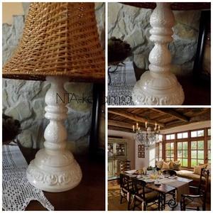 Fehér-ekrü-csipkés- romantikus-egyedi kerámia lámpaváza, Lakberendezés, Otthon & lakás, Lámpa, Dekoráció, Esküvő, Kerámia, Szobrászat, Fehér agyagból készítettem ezt a lámpavázát.A testen körbefutnak domborodott indák,virágok.\nGyönyörű..., Meska