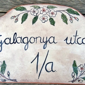 Egyedi  kerámia utcanévtábla galagonya (ntakeramia) - Meska.hu