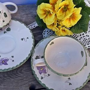 Ibolyás .csipkés kerámia 2 személyes teás, Konyhafelszerelés, Otthon & lakás, Dekoráció, Bögre, csésze, Húsvéti díszek, Ünnepi dekoráció, Festett tárgyak, Kerámia, A tavasz a megújulás, a természet újjászületésének ideje.\nApró ibolyákkal, csipkével,pöttyökkel fest..., Meska