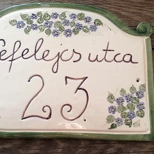 Kék nefelejcs kerámia utcanév tábla (ntakeramia) - Meska.hu